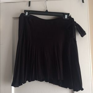 Black mini skirt with side tie